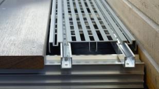 Drainage und Belüftungsprofil für die Belüftung von Terrassen