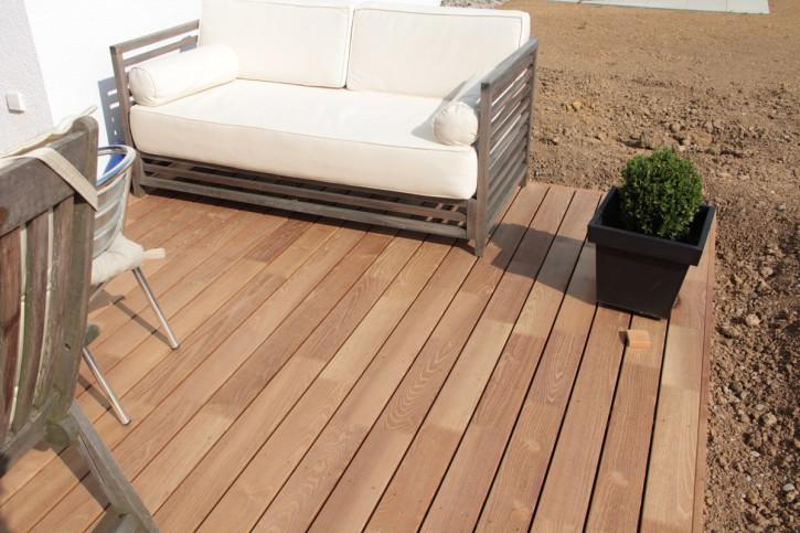 Terrassenholz aus Robinie 23 x 117mm glatt gehobelt 4,00m