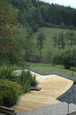 Terrassenholz aus Robinie 23 x 118 mm glatt gehobelt 5,00m